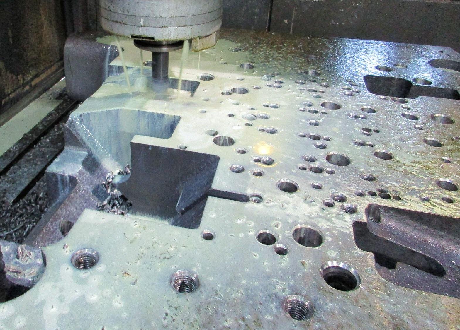 3rd製品別(7_ダイカスト金型)_中部門型マシニングセンターによる大型加工